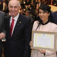 Deputada cantora Mara Lima recebe título de Embaixadora da Paz